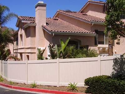 Vinyl Privacy Fencing Installer